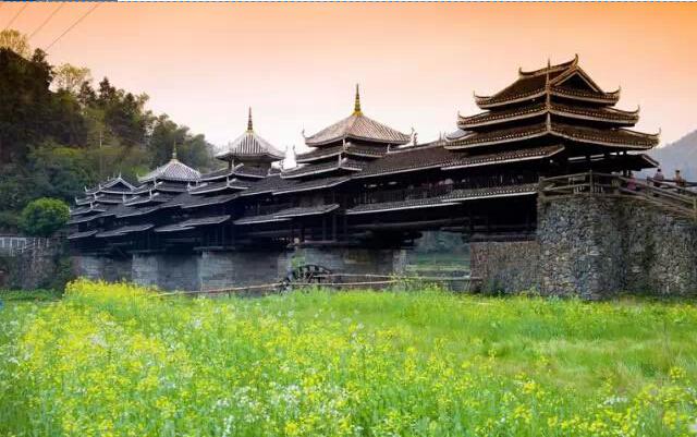 程阳风雨桥,又叫永济桥、盘龙桥,位于广西壮族自治区柳州市三江县